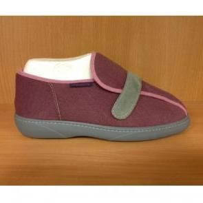 chaussures NEW BEAUTY  taille 40 prune