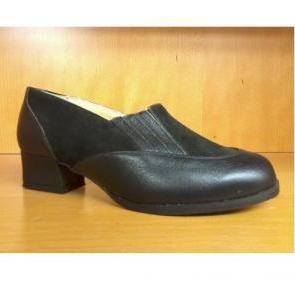 chaussures BEGONIA taille 36 cuir noir